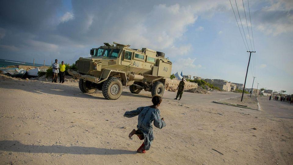 Signs of Return to Life in Somali Capital. Photo ID 522607. 06/08/2012. Mogadishu, Somalia. UN Photo/Stuart Price