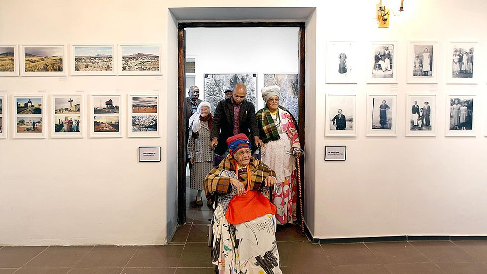 exhibition 'Usakos – Photographs Beyond Ruins'